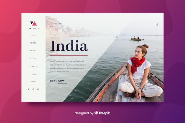 ボート上の女の子と旅行のランディングページ 無料ベクター