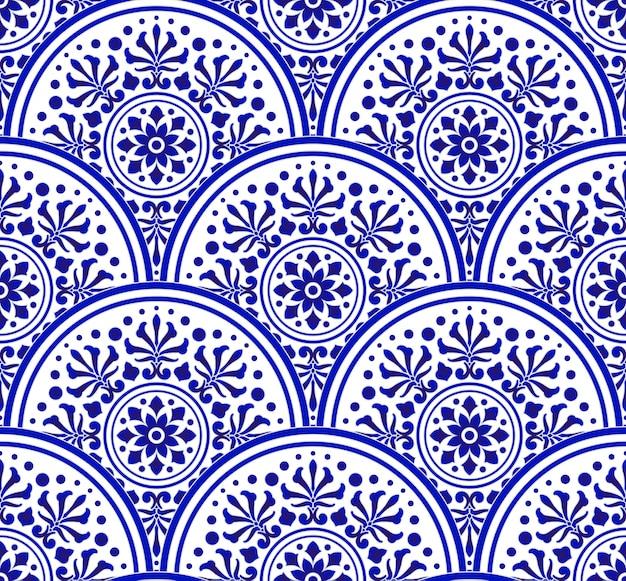 Синий и белый китайский узор в стиле пэчворк, абстрактная цветочная декоративная мандала индиго для вашего элемента дизайна, керамические фарфоровые дамасские обои бесшовные декор Premium векторы