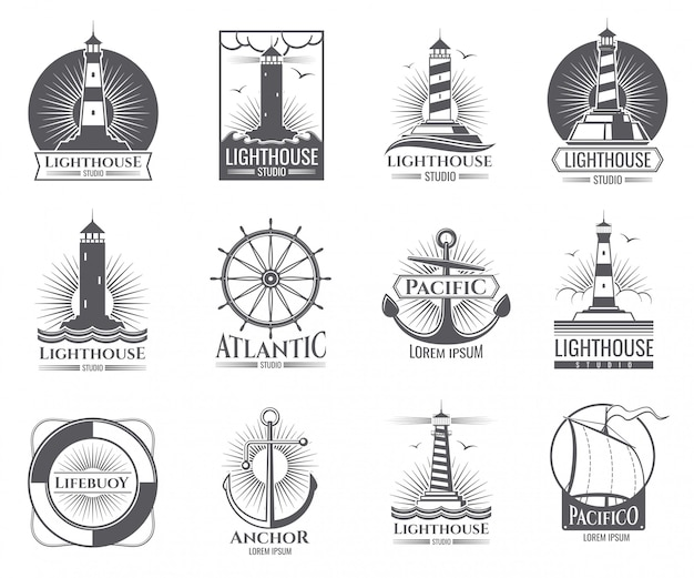 Старинные морские этикетки с маяком, морской лодкой и якорями. старые эмблемы военно-морского флота с якорем и маяком Premium векторы