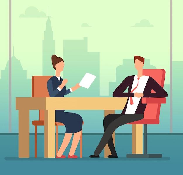 デスクで従業員の女性とインタビュアーのボス会議。就職の面接と募集ベクトル漫画コンセプト Premiumベクター