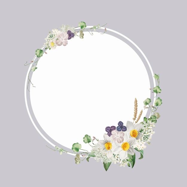 Декорированная цветочная рамка Бесплатные векторы