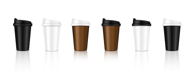 現実的なコーヒーカップパッケージング製品をモックアップ Premiumベクター