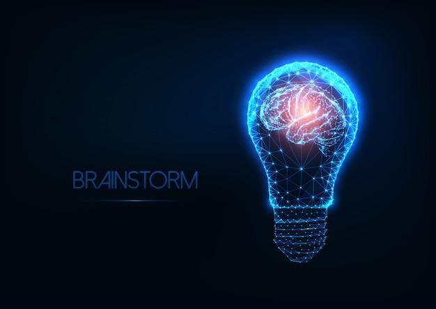 未来的な白熱低ポリゴン電球と人間の脳をブレインストーミングします。 Premiumベクター