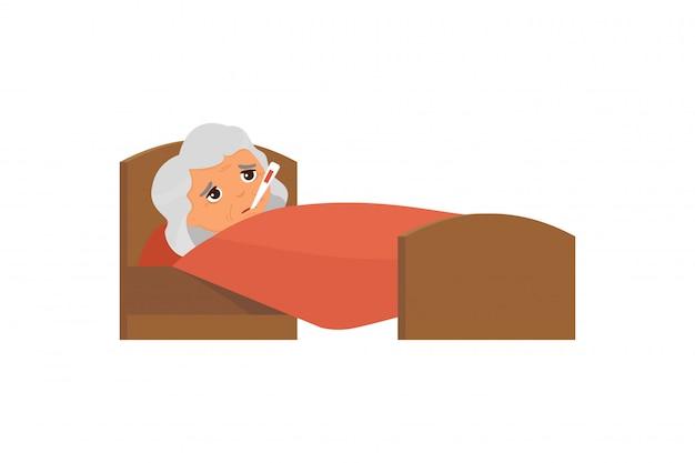 Больная старуха с термометром в иллюстрации кровати плоской. бабушка с высокой температурой мультипликационного персонажа. лихорадка, симптом гриппа, простуда. пациент отдыхает под одеялом Premium векторы