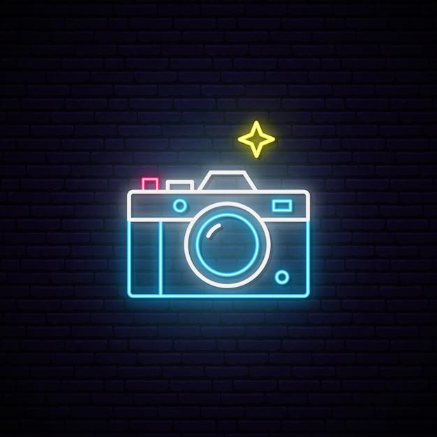 Неоновая вывеска фотоаппарата знак. Premium векторы