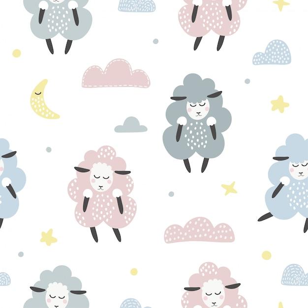 Симпатичные бесшовные модели с овцами и облаками. Premium векторы