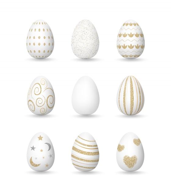 金色のパターン、イースターの日コレクションと現実的な白い卵 Premiumベクター