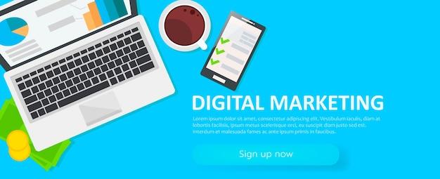 Цифровой маркетинг баннер. рабочее место с ноутбуком, кофе, бумага, деньги, телефон Бесплатные векторы