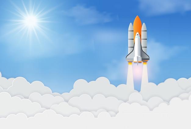 宇宙ロケットや宇宙船は空に打ち上げます。ビジネス立ち上げコンセプト。成功と企業目標 Premiumベクター
