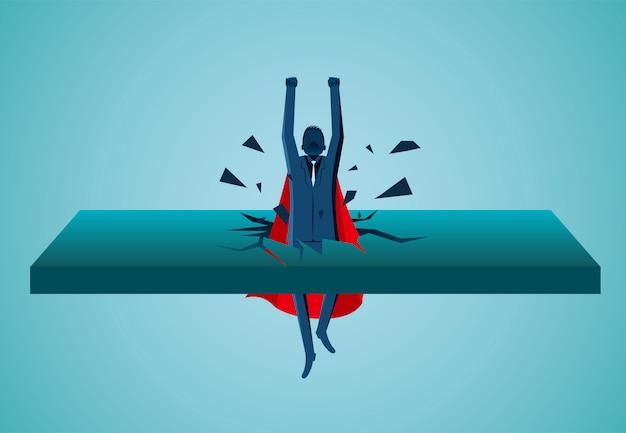 Бизнесмены-супергерои, вылетевшие из стены, взлетают в небо Premium векторы