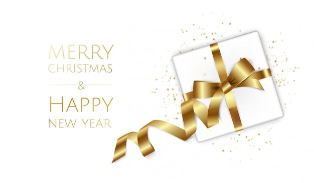 Рождество и новый год фон с подарочные коробки, еловые ветки, елочные шары, звезды, Premium векторы