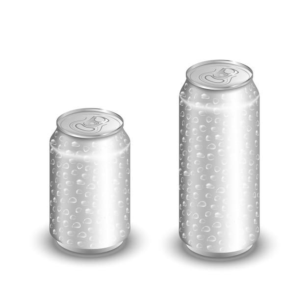 Макет алюминиевой банки с каплями воды, изолированных на белом Premium векторы