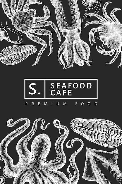 Шаблон морепродуктов. нарисованная рукой иллюстрация морепродуктов на доске мела. выгравированный стиль еды баннер. ретро морские животные фон Premium векторы