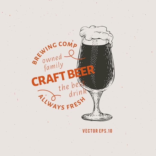 ビールのロゴのテンプレート。ベクトル手描きビールグラスイラスト。 Premiumベクター