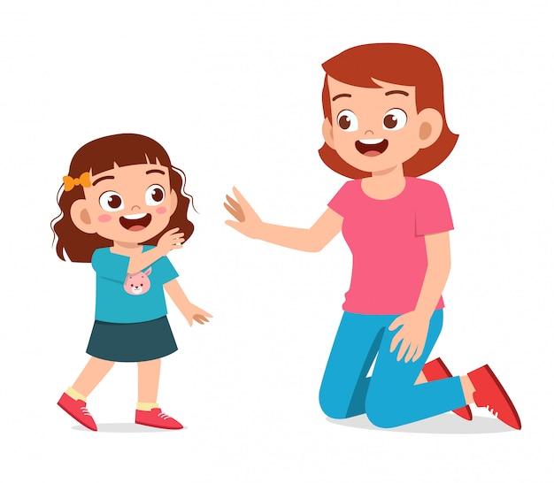 ママの愛に幸せなかわいい子供女の子波 Premiumベクター