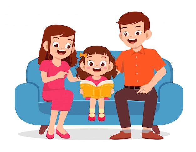 幸せなかわいい子供女の子は親と本を読む 無料ベクター