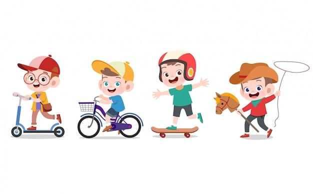 Дети играют вместе Premium векторы