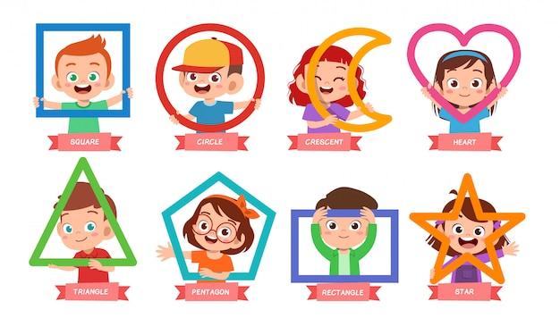かわいい子供たちは基本的な形を学ぶ Premiumベクター