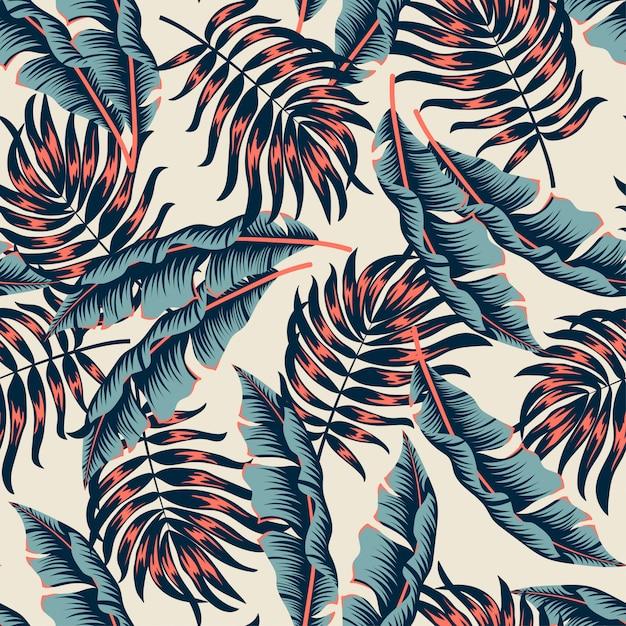 Абстрактный бесшовный тропический узор с яркими растениями и листьями на бежевом Premium векторы