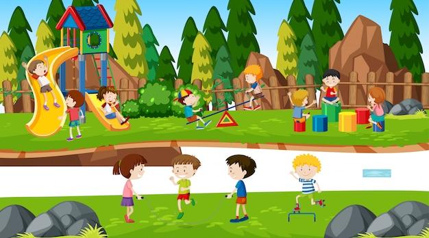 Активные мальчики и девочки, занимающиеся спортом и веселые мероприятия на свежем воздухе Бесплатные векторы