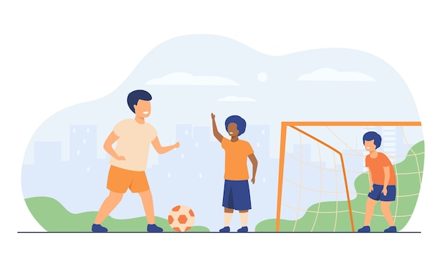 Активные счастливые дети, играющие в футбол на открытом воздухе, изолированные плоские векторные иллюстрации. мультяшные мальчики играют в футбол, бегают и пинают мяч на детской площадке. летние каникулы и спортивные игры Бесплатные векторы