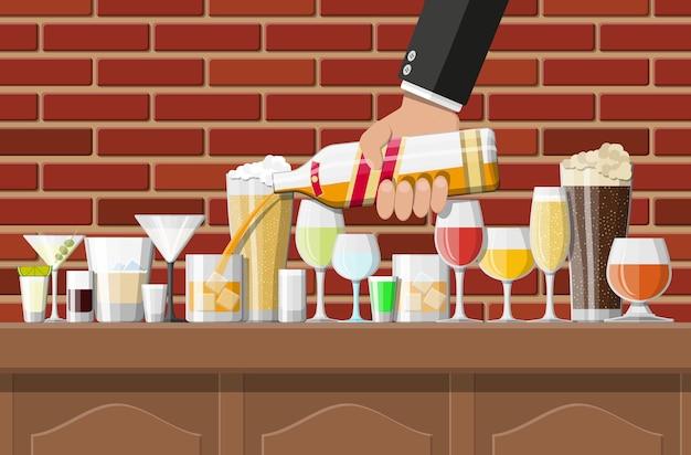 Коллекция алкогольных напитков в очках в баре иллюстрации Premium векторы