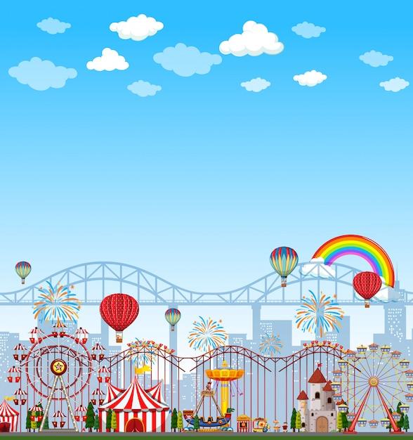 Сцена парка развлечений в дневное время с пустым ярко-синим небом Бесплатные векторы