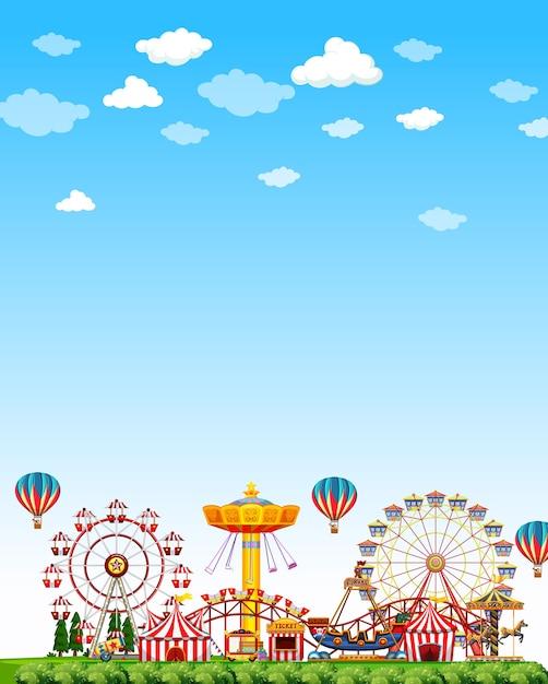 Scena del parco di divertimenti di giorno con cielo blu luminoso in bianco Vettore gratuito