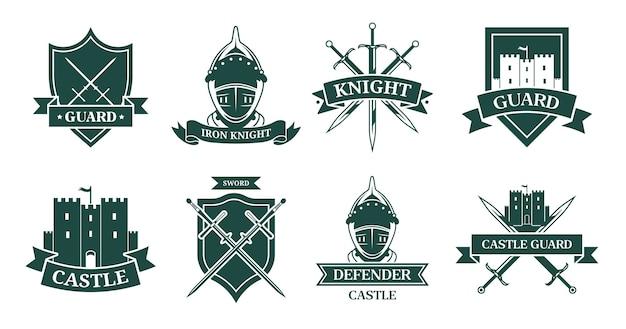 고대 기사 또는 전투기 흑백 평면 기호 집합입니다. 전사 갑옷, 헬멧, 칼 또는 성 벡터 일러스트 컬렉션 중세 상징과 방패. 마스코트, 군대 및 고대 군대 무료 벡터