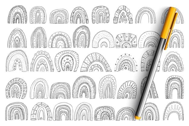 アーチと虹の形の落書きセット。分離された行のさまざまなレイヤーサイズとパターンの手描きのアーチ形状のコレクション。 Premiumベクター