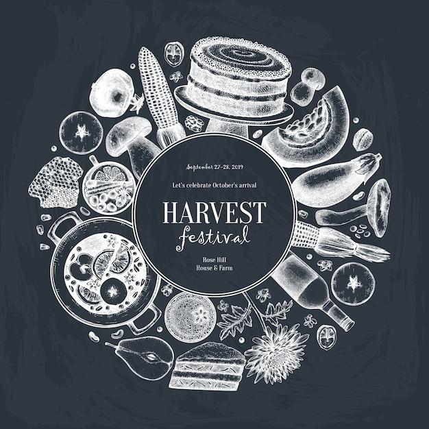 秋の収穫祭。黒板に伝統的な感謝祭の日メニュー。自家製の食べ物や飲み物のスケッチ。手描きの食べ物、飲み物、野菜、果物、花とヴィンテージの花輪。 Premiumベクター