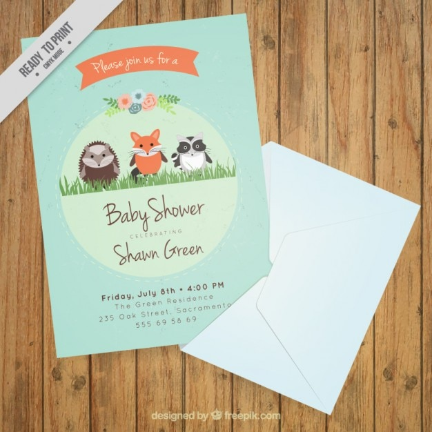 Baby shower card with lovely animals Free Vector