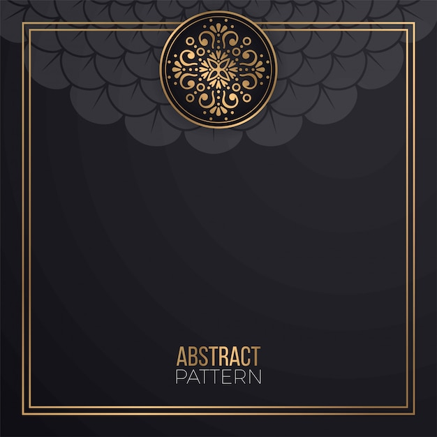 Background with golden mandala card Free Vector