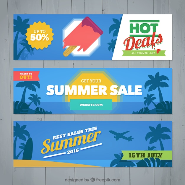 Banners of summer offers with palm trees Free Vector