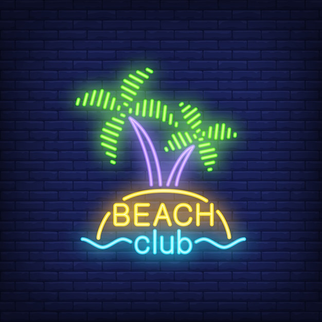 Beach club lettering and cocktail and island with palms. Free Vector