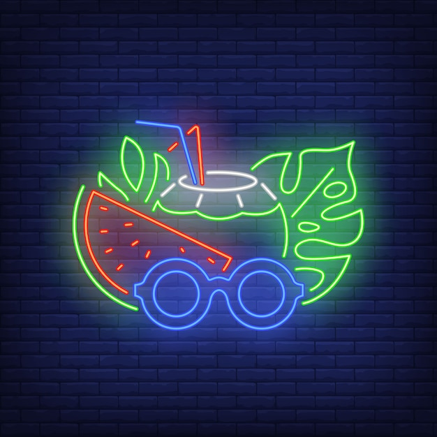 Beach cocktail and sunglasses neon sign. Free Vector