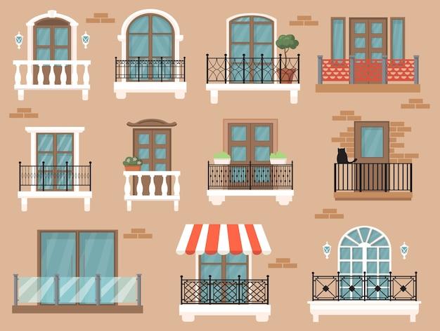 웹 디자인을위한 아름다운 장식 발코니 평면 세트. 고전적인 장식과 울타리 격리 된 벡터 일러스트 컬렉션 만화 빈티지 창. 건축과 외관 개념 무료 벡터