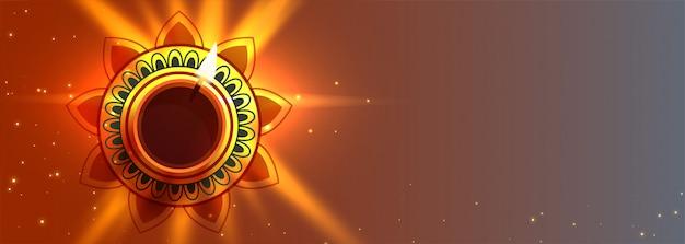 Beautiful diwali diya lights lamp banner with text space Free Vector