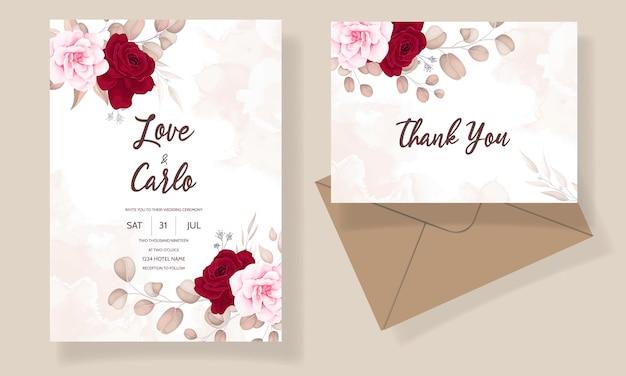 Красивая рука рисунок свадебное приглашение темно-бордовый цветочный дизайн Бесплатные векторы