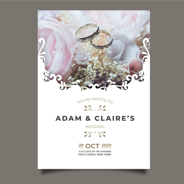 Beautiful wedding card with picture Free Vector