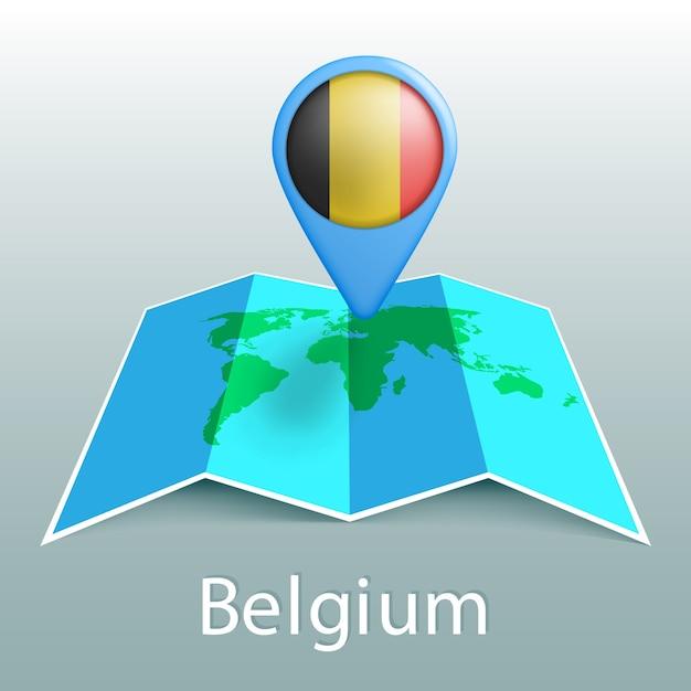 灰色の背景に国の名前とピンでベルギーの旗の世界地図 Premiumベクター