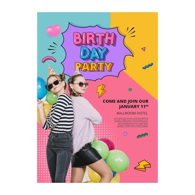 Concetto di modello di poster di compleanno Vettore gratuito