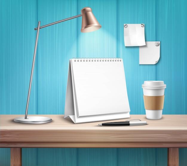Calendario da tavolo in bianco sullo scrittorio di legno Vettore gratuito