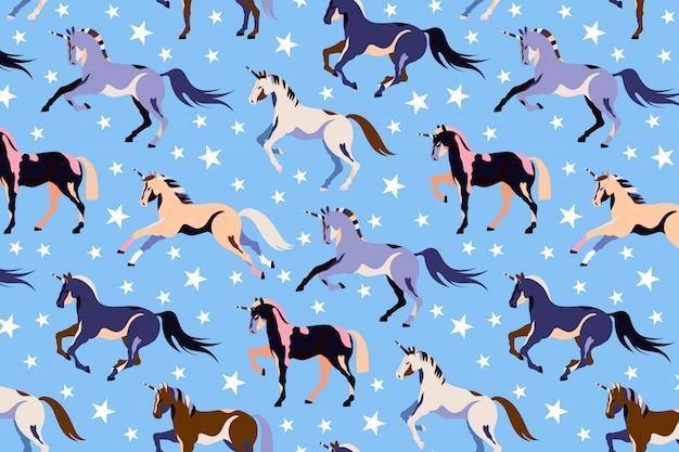 青いユニコーンパターン。シームレスなユニコーンと星のデザイン。美しい魔法の馬。子供のイラストポニー。ユニコーンを実行しています。 webと印刷の手描きデザイン。 Premiumベクター