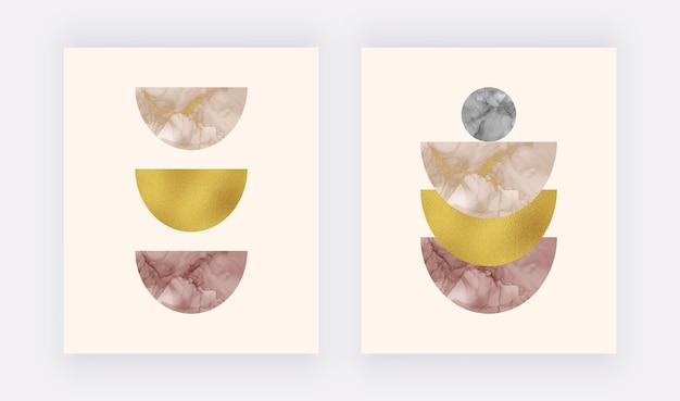 自由奔放に生きるウォールアートは、ベージュとバーガンディのアルコールインクの形と金箔の質感でプリントされています。 Premiumベクター