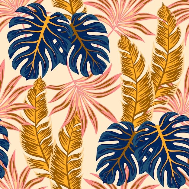 Ботанический бесшовные тропический узор с яркими растениями и листьями на бежевом фоне Premium векторы