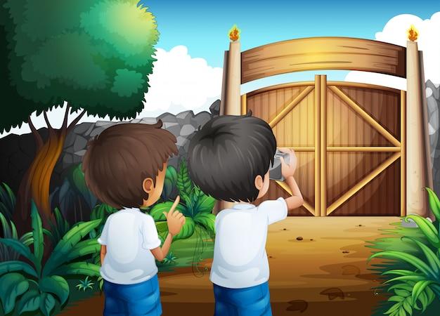 Мальчики фотографируют в закрытом дворе Бесплатные векторы
