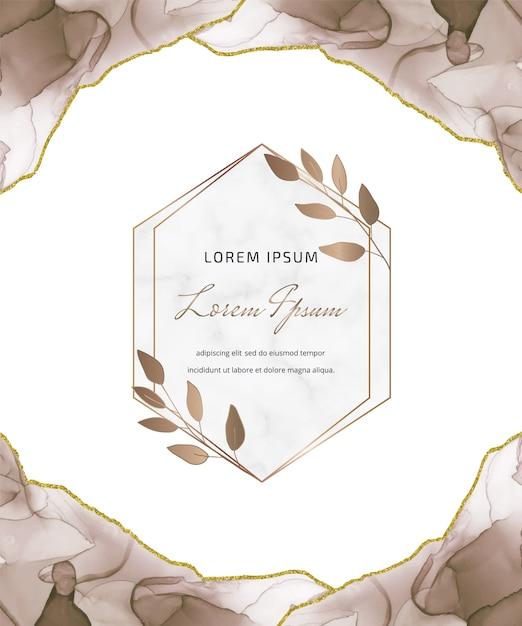 幾何学的な大理石のフレームと葉を持つ茶色のアルコールインクキラキラカード。抽象的な手描きの背景。 Premiumベクター