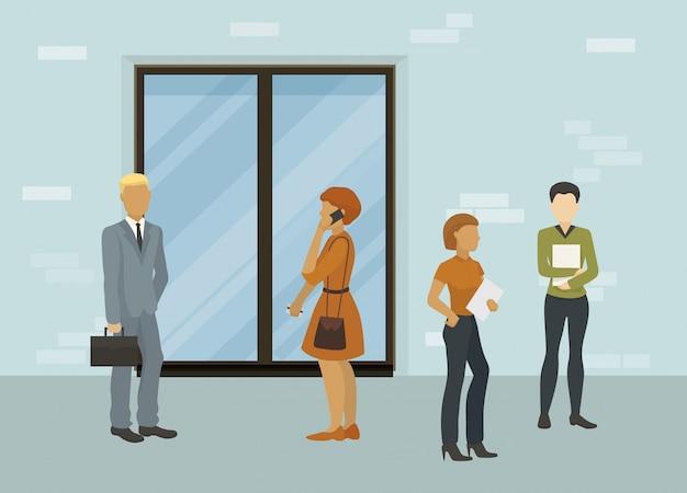 ビジネスの人々、オフィスワーカー、求職者の男性と女性の閉じたドアの図の前に立っています。面接または営業予定の会議を待っています。 Premiumベクター