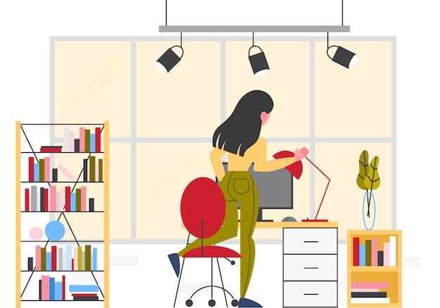Деловая женщина на ее рабочем месте. женщина, сидящая на стуле Premium векторы